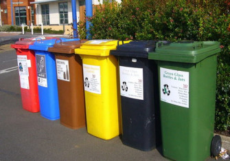 Recycling bins 373156 960 720 2