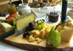 Kaeseplatte Cheese Food Delicatessen Buffet Austria 1371196